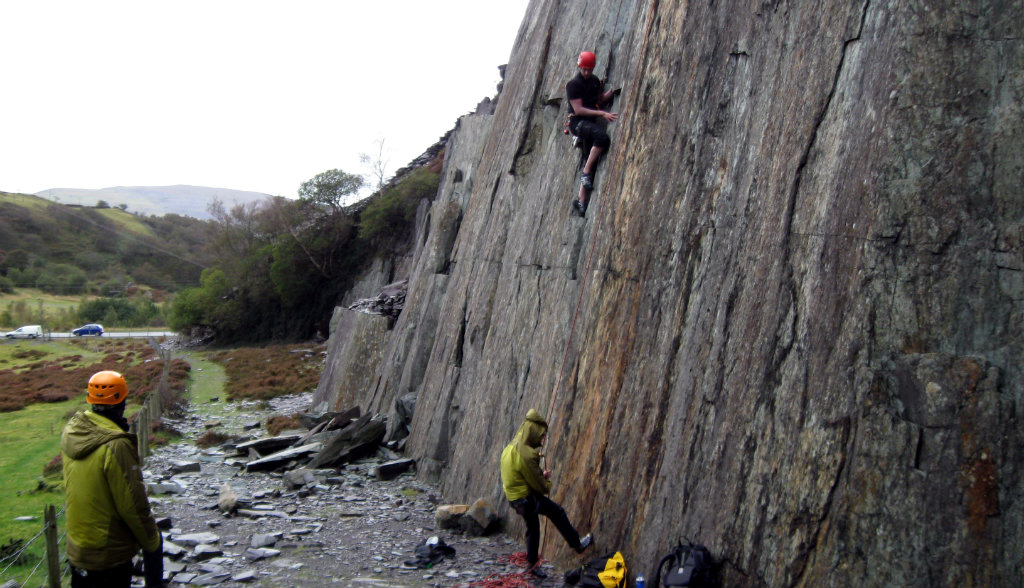 Synthetic insulation in a belay jacket - the natural and original intention