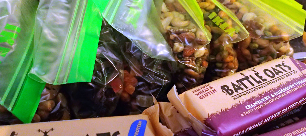 Oats protein bars, sweet mix and salty trail mix - all about variety
