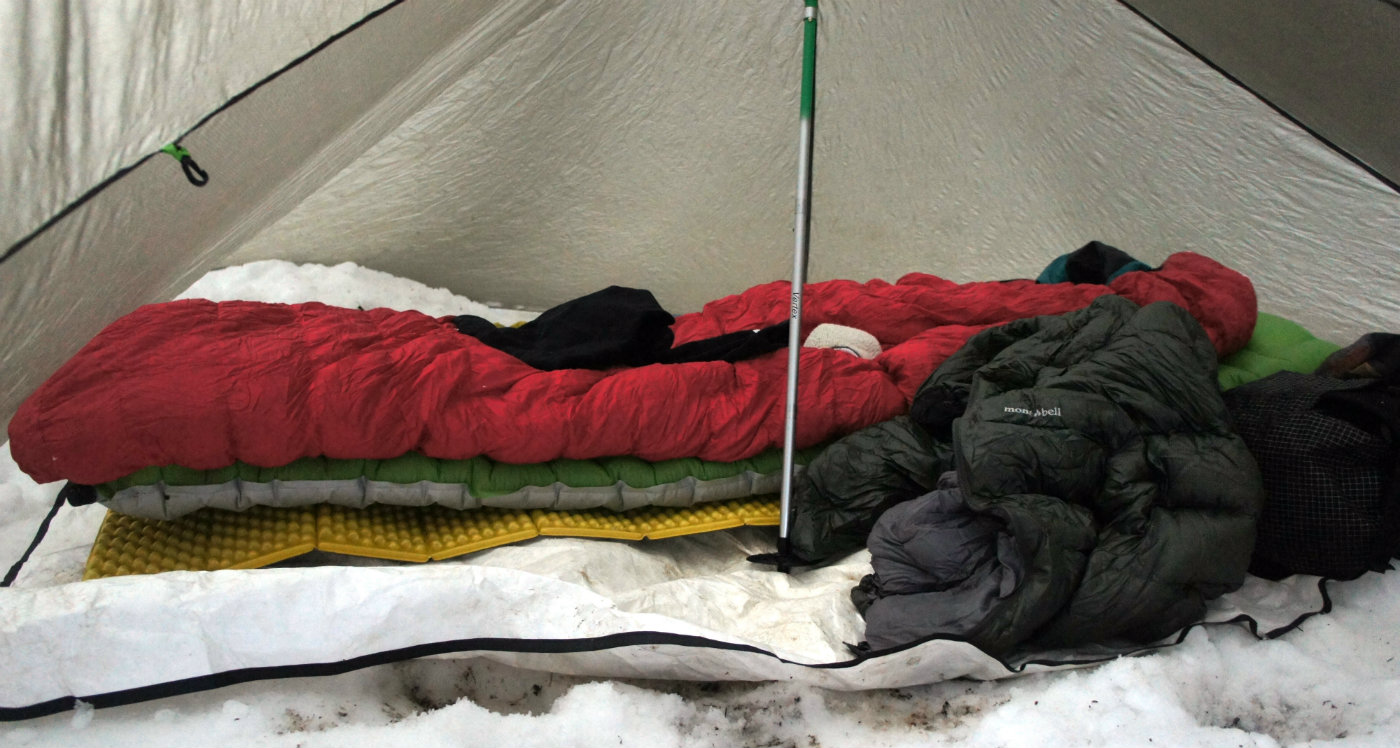 My sleeping system in the snow