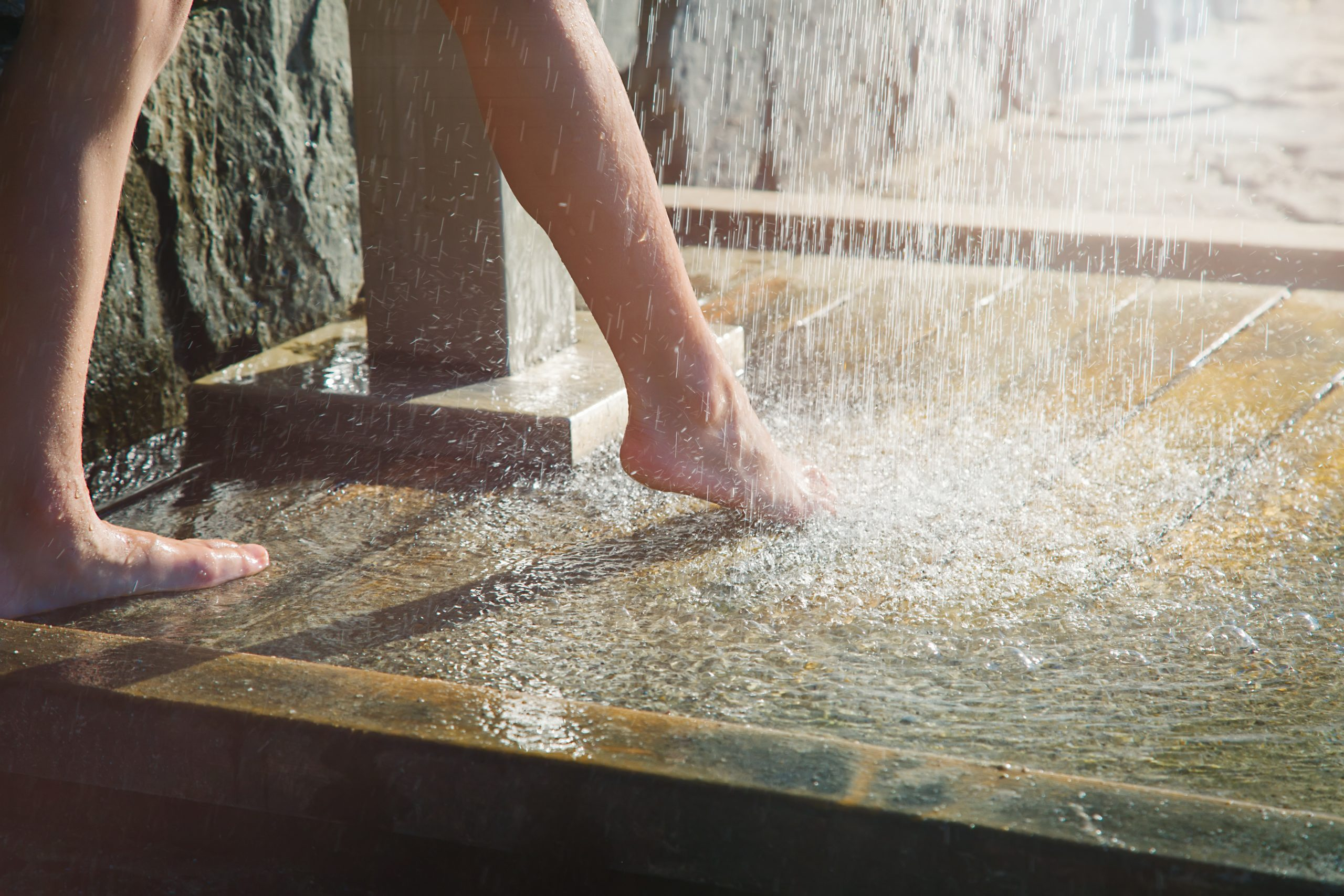 choose the right outdoor shower floor