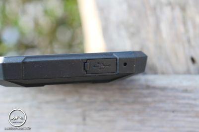 USB-Anschluss unten am Gerät