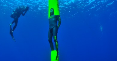 ONE LEG, ONE BREATH: 4X Paralympic champion Wojtek CZYZ attempts two CMAS WR in freediving, trained by Herbert Nitsch in Tahiti