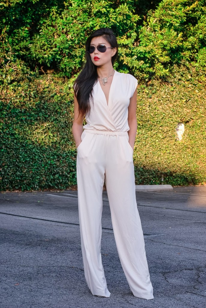 White-Jumpsuits-for-women-687x1024 16 Cute Jumpsuits Outfits - Ideas How to Wear Jumpsuits Rightly