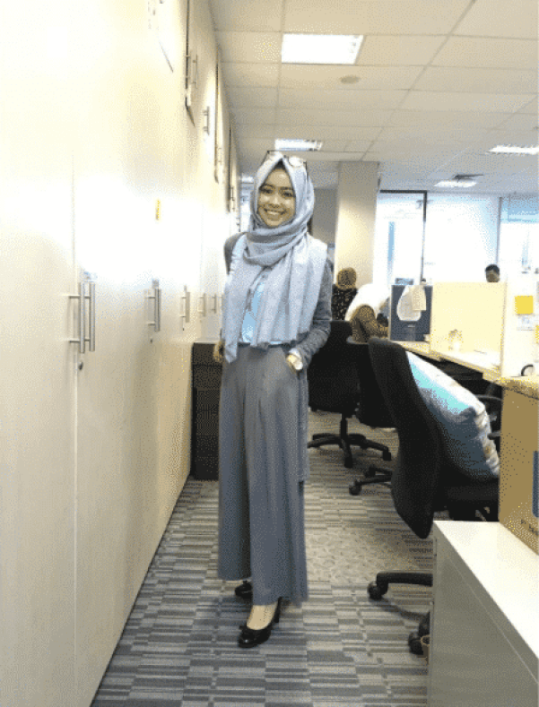 grey-hijab-outfit-for-work Hijab office Wear - 12 Ideas to Wear Hijab at Work Elegantly