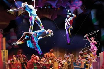 Holidaze-Cirque-Dreams
