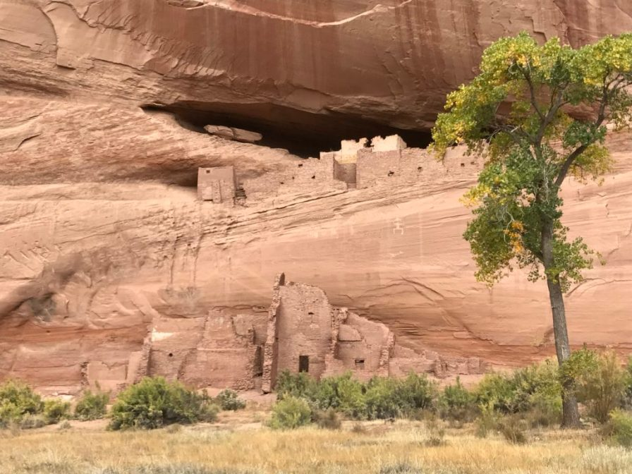 Canyon de Chelly ruins from canyon floor
