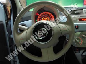 OBD2 connector location in Fiat 500 (2007  )  Outils