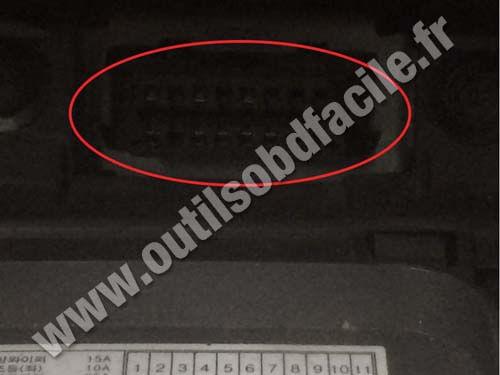Obd2 Connector Location In Kia Rio 2005 2011 Outils