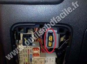 OBD2 connector location in Renault Master 3 (2010  2014