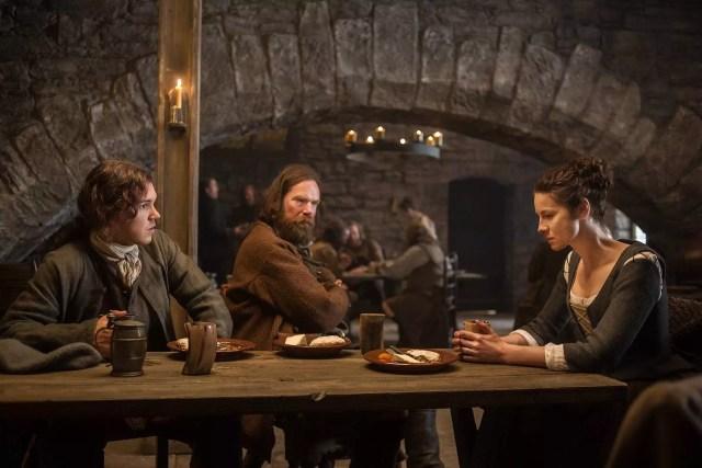 Caitriona Balfe (Claire Randall Fraser), Duncan Lacroix (Murtagh Fitzgibbons), Finn den Hertog (Willie)