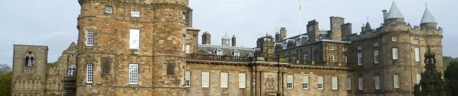 Holyrood Palace ©WikiMedia Commons User Kim Traynor