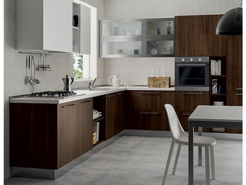 Come valutare il colore per una nuova cucina? Cucina Primacucine Domino Noce Carruba E Bianco Matt Prezzo Outlet