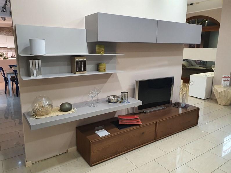 La casa moderna è un rinomato brand che produce soluzioni d'arredo per. Soggiorno Completo Modello Soggiorno In Stile Moderno Di Rossetto Arredamenti A Prezzi Outlet