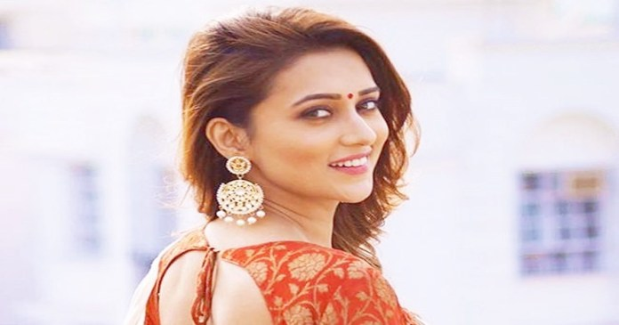 tollywood actress Mimi Chakraborty made the first video in the new app Reel