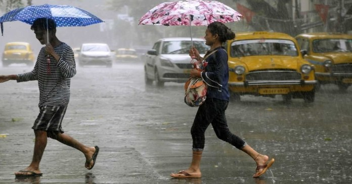 Today weather report: heavy rain forecast in north bengal and south Bengal