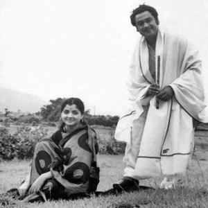 kishor kumar with yogita bali rare pic