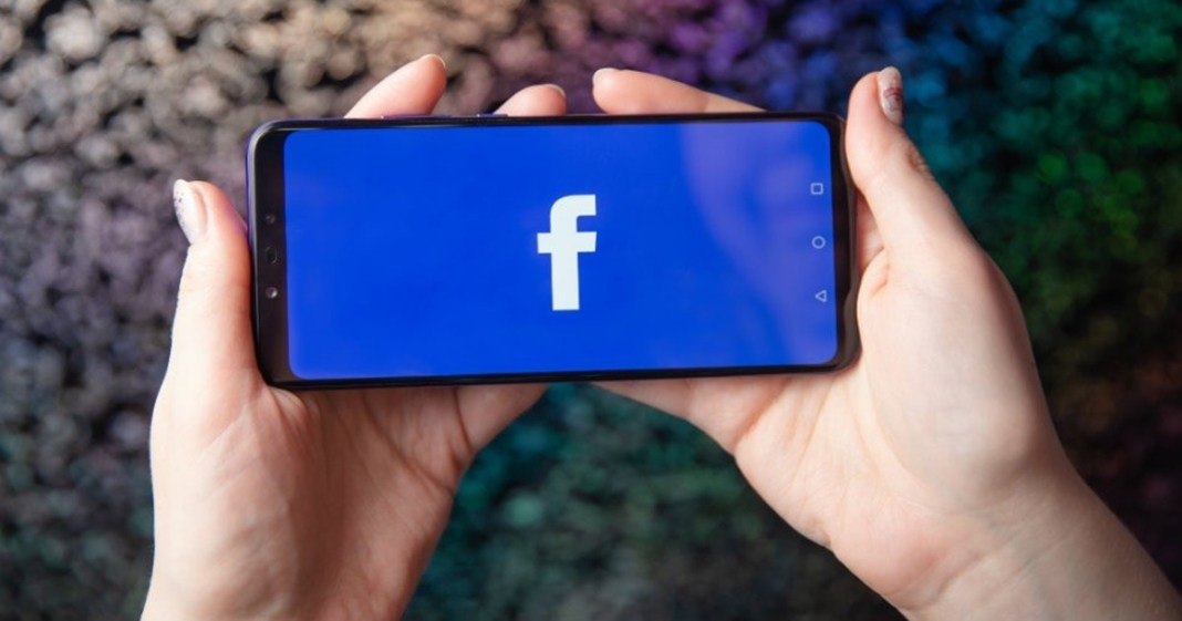 On the occasion of Dol and Holi, Facebook launches new surprises for the users