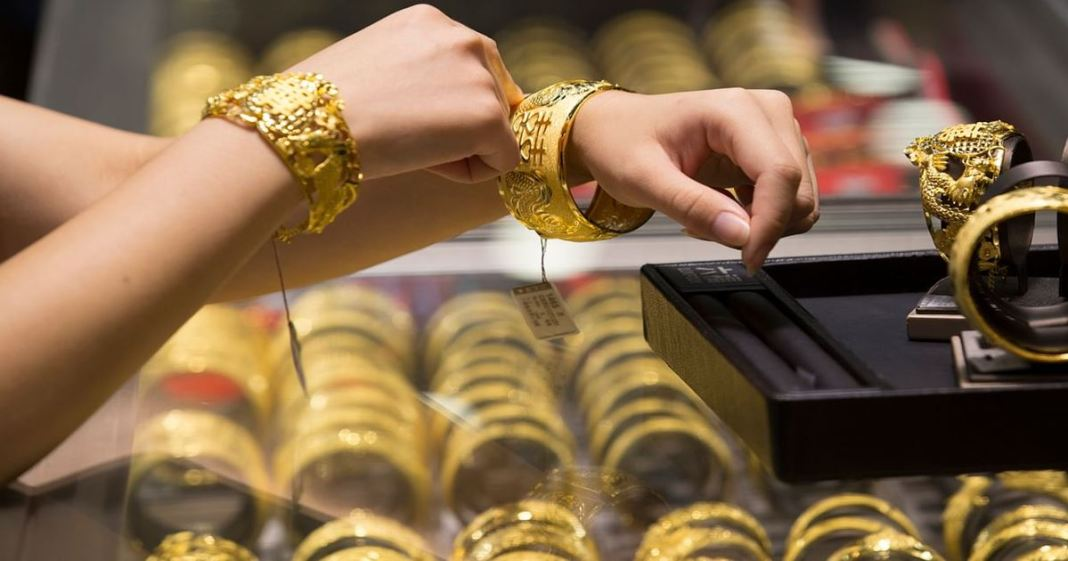 today gold and silver price 15.04.2021