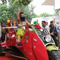 Rape case against Gurmeet Ram Rahim of Dera Sacha Sauda  and threats by followers  #Vaw