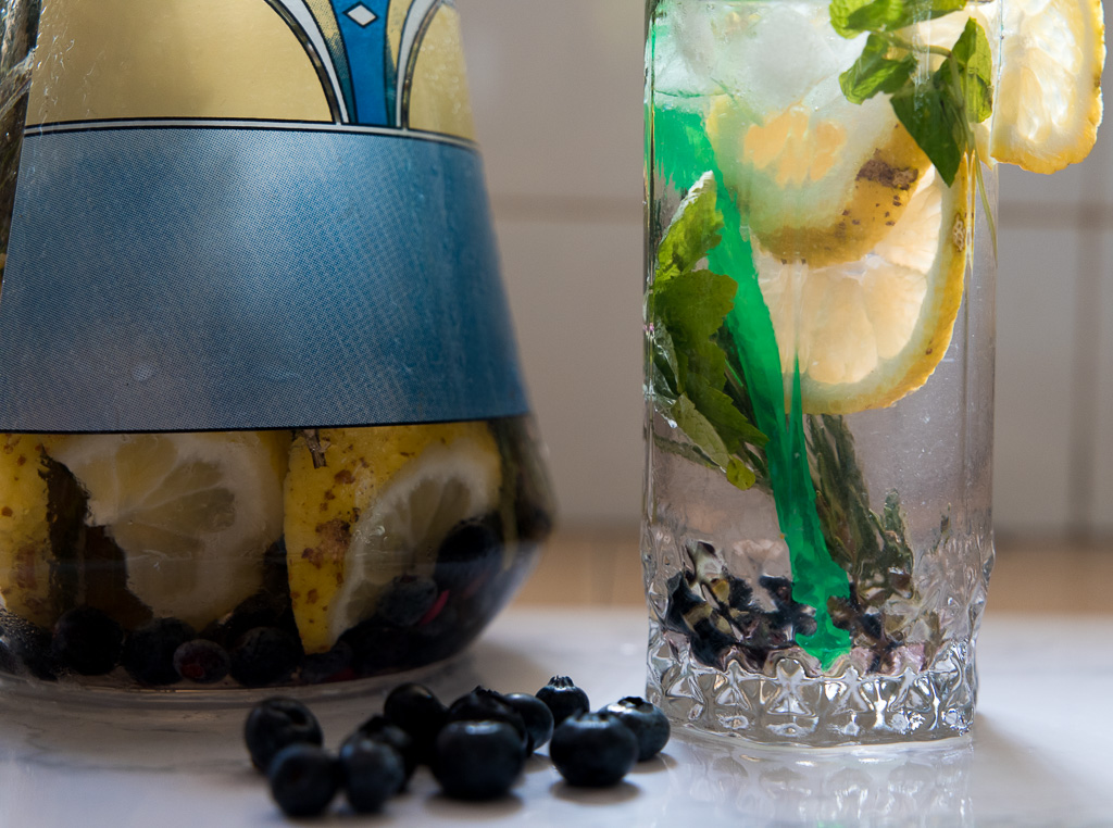 Blueberry,Lemon, Rosemary detox water