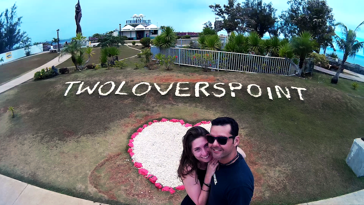 Two Lovers Point Guam couple