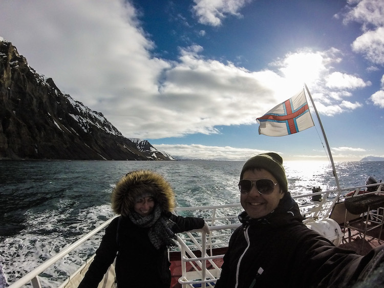 Barco nas Ilhas Faroe