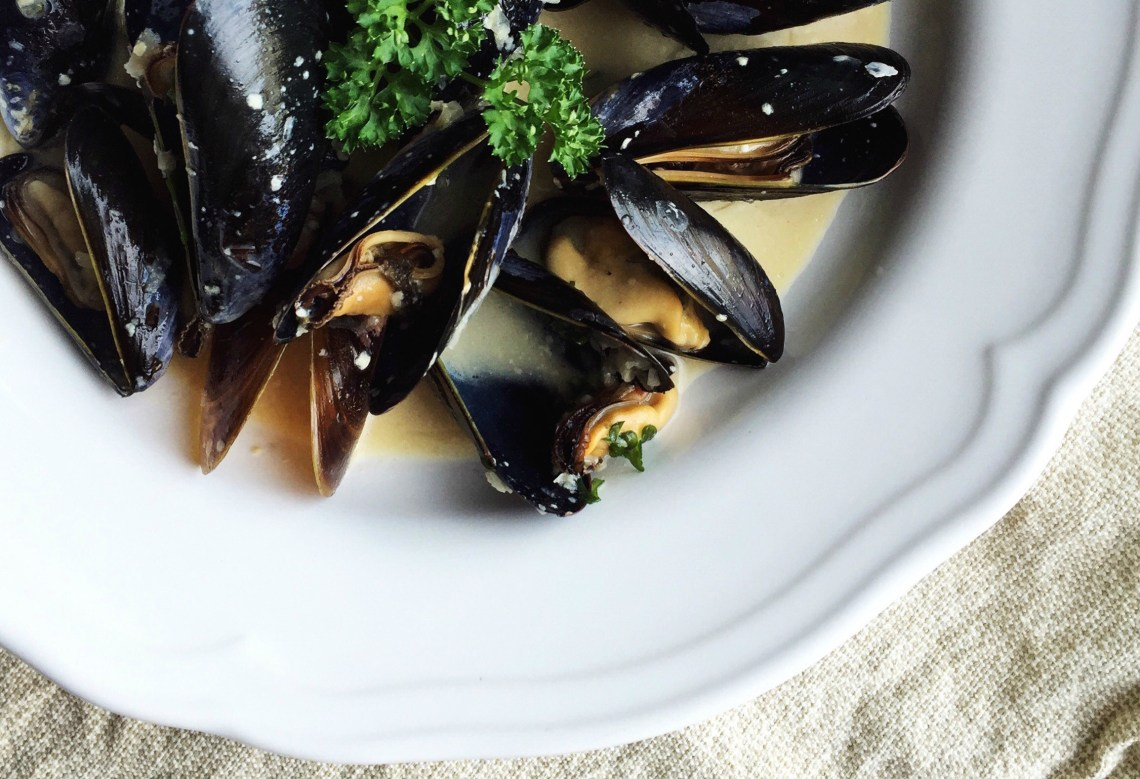 Mussels in Aquavit