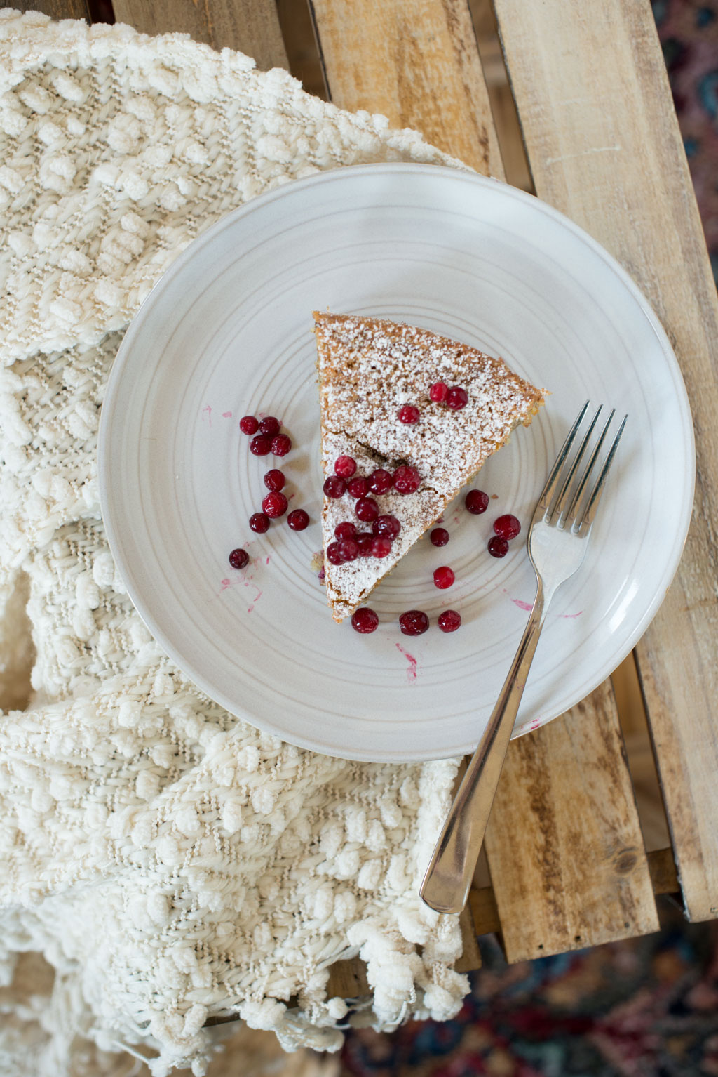 Almond and Lingonberry Cake