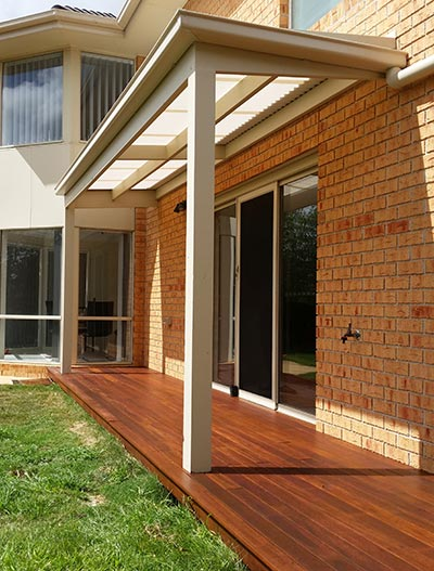 Melbourne decking and two verandahs built by Outside Concepts' Melbourne West branch.