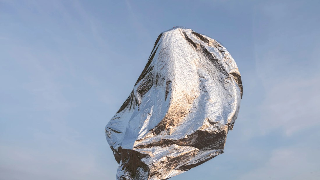How (and When) Hikers Should Use Space Blankets