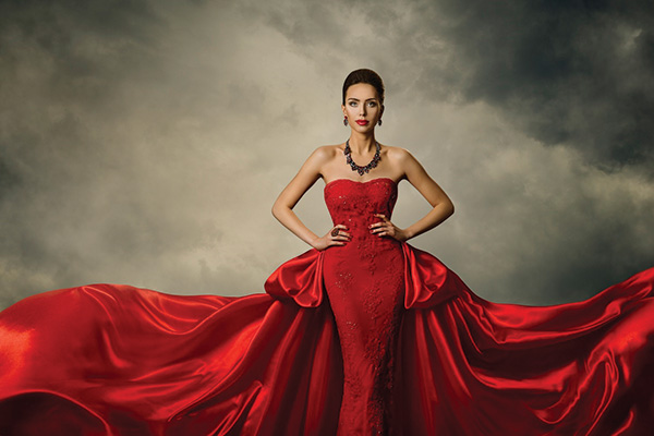 Questa immagine ha l'attributo alt vuoto; il nome del file è luxury_fashion.jpg