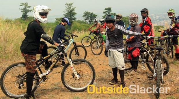 Downhill bikers of Antenna Hill
