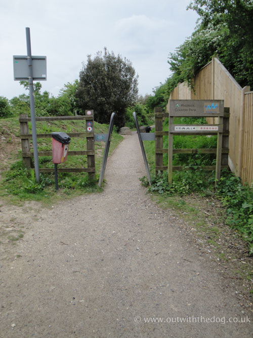 Riverside Country Park Footpath 2