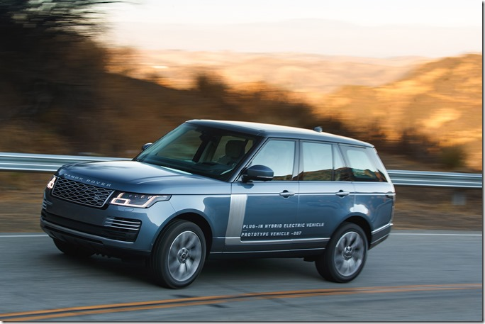 2018 Range Rover PHEV in Action (44)