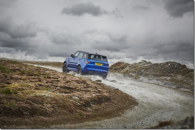 2018 Range Rover Sport SVR (11)
