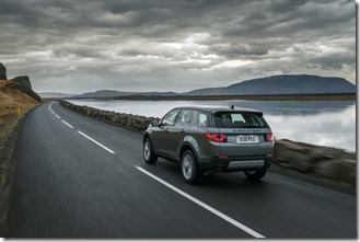 Land Rover Discovery Sport in Iceland - Scotia Green (16)