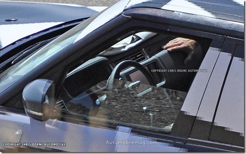 Land-Rover-Range-Rover-spied-interior-2
