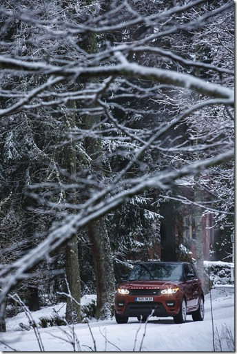 MY2014 Range Rover Sport in the Snow (3)
