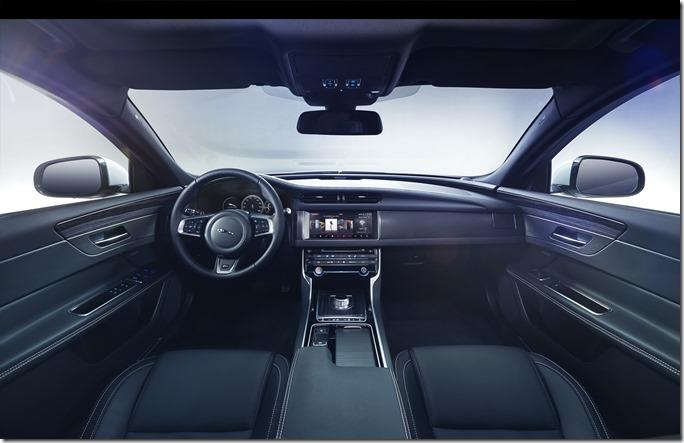 jag_new_xf_s_interior_image_180315_02