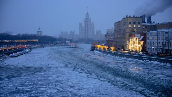 Moskova 'kar kıyametine' hazırlanıyor