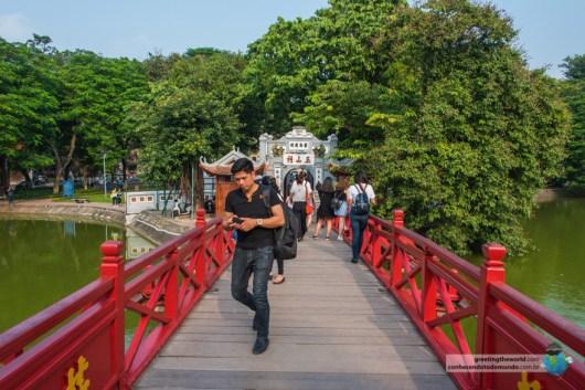 Hoan Kiem Brigde, Hanoi, Vietnam