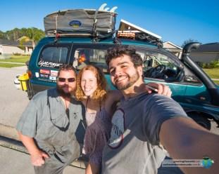 Grant nos ajudou a consertar os freios da Vanda no meio da Flórida.