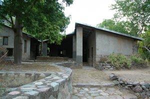 Entre Amigos - Communal Building