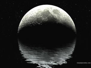 Lua sobre mar