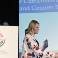 نارویجن وزیرکی طاہرالقادری سے سینگ پھنسانے کی کوشش، وزیرنے بھیڑکی کھال میں بھیڑیا کہہ دیا