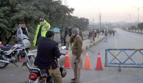 Islamabad Police on Duty near Faizabad Protest
