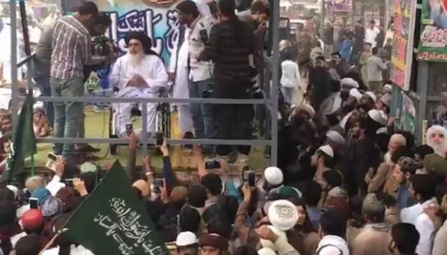 Tehreek e Labaik Ya Rasool Allah Rally by Allama Khadim Hussain Rizvi
