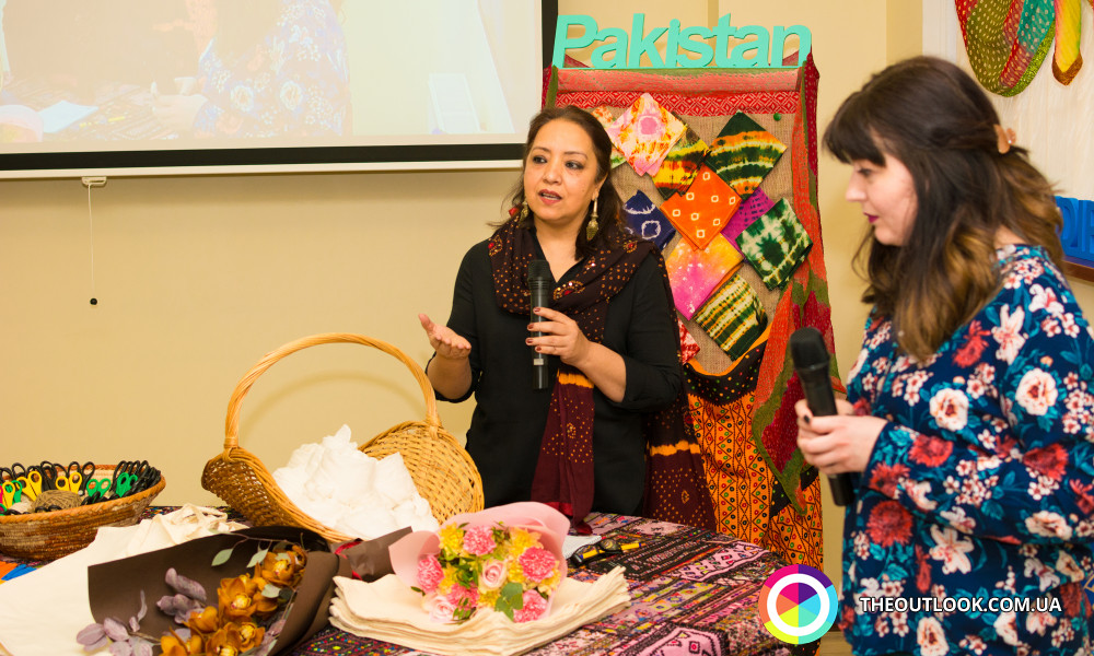 "Spreading soft image of Pakistan through learning ""Tie-Dye"" in Ukraine"