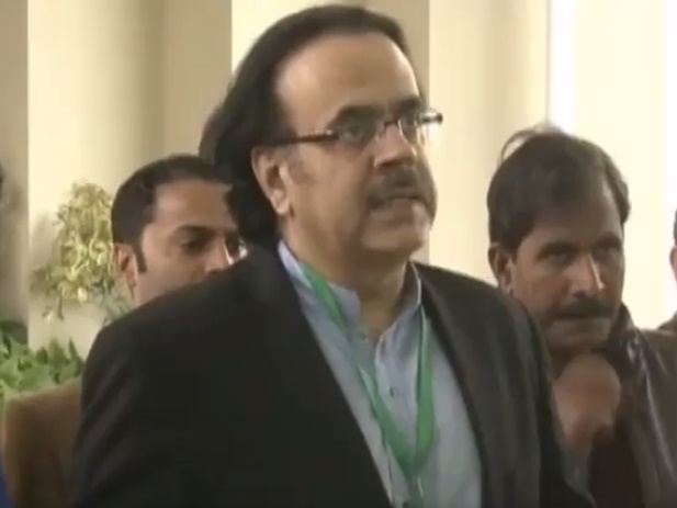 Zainab Murder Case hearing Dr Shahid Masood outside Supreme Court 25 January 2018