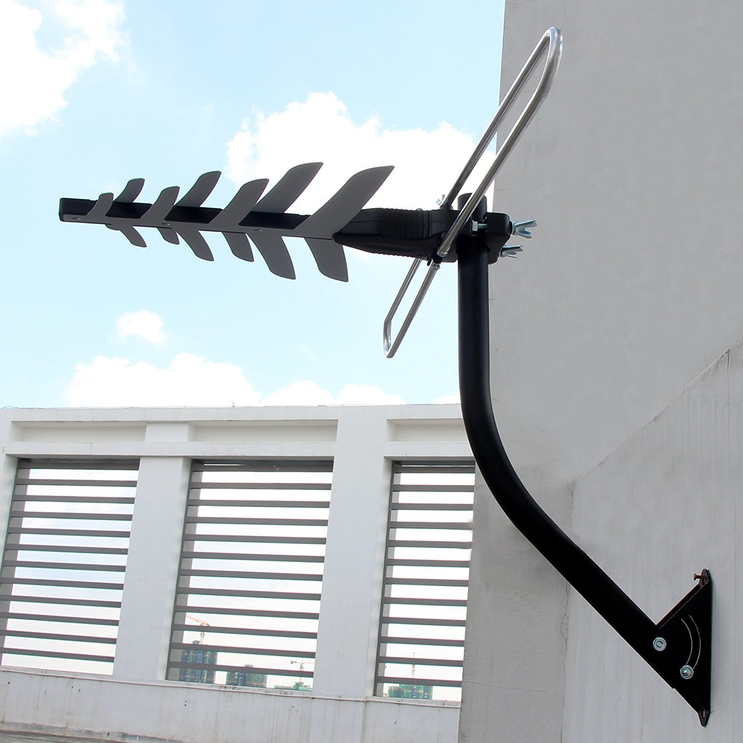 1byone 85 mile outdoor antenna wall